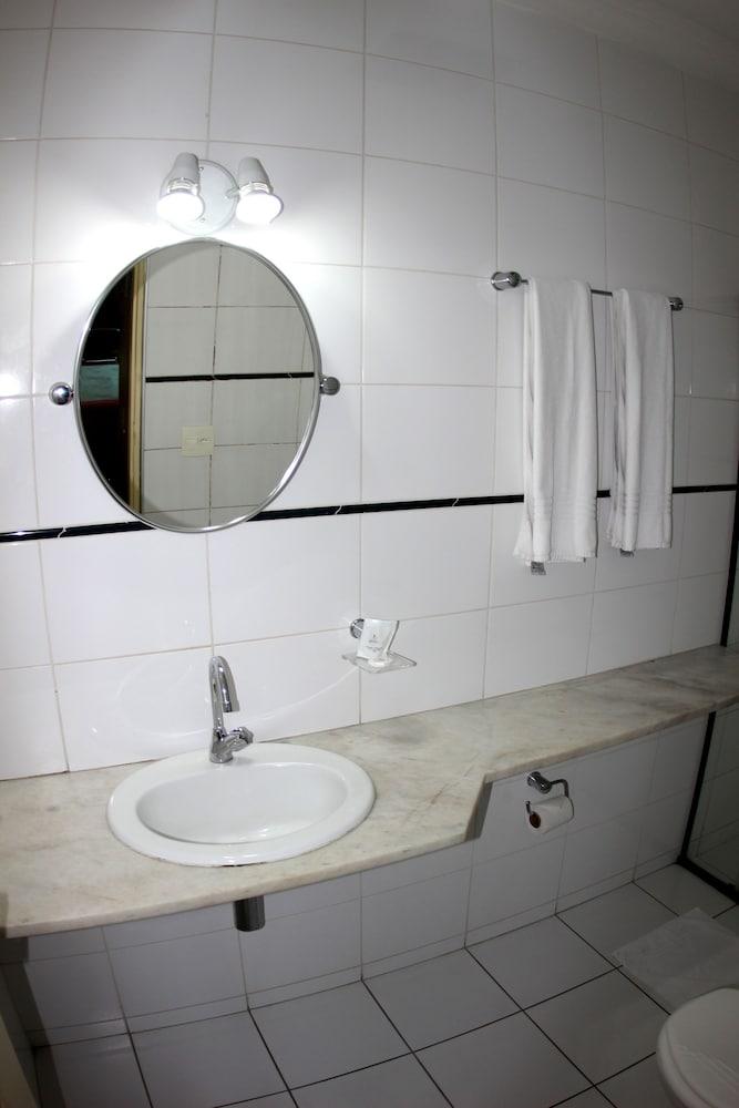 아무아라마 호텔(Amuarama Hotel) Hotel Image 30 - Guestroom