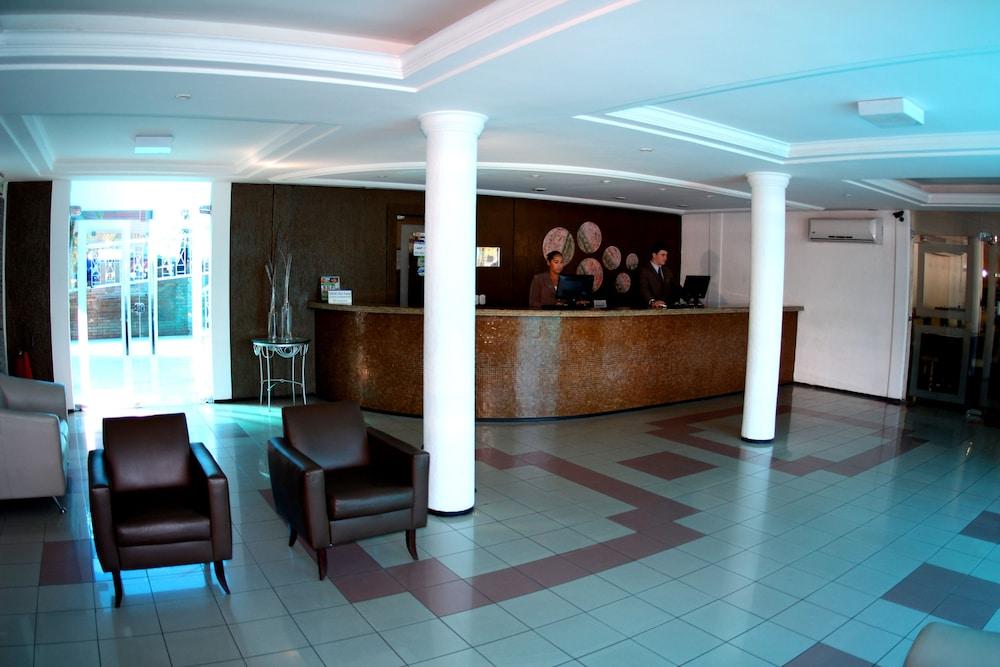 아무아라마 호텔(Amuarama Hotel) Hotel Image 2 - Lobby