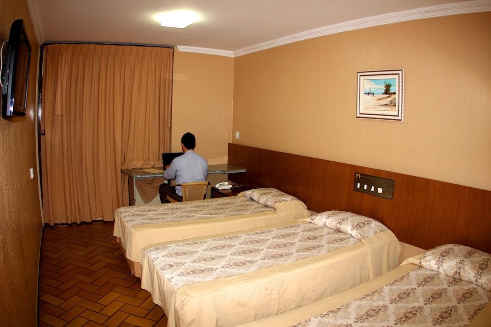 아무아라마 호텔(Amuarama Hotel) Hotel Image 29 - Guestroom