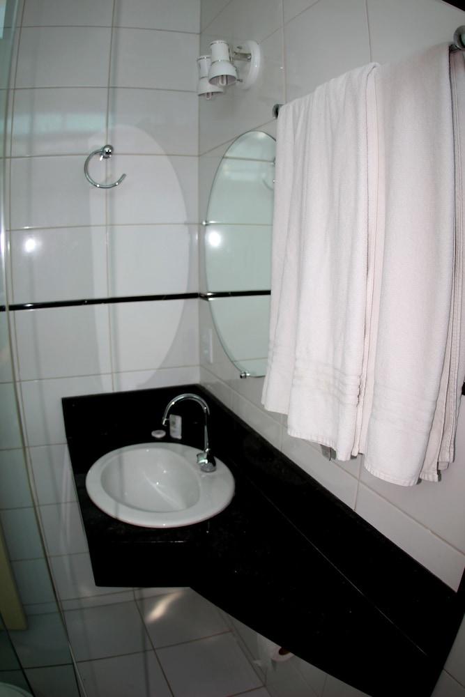 아무아라마 호텔(Amuarama Hotel) Hotel Image 39 - Guestroom