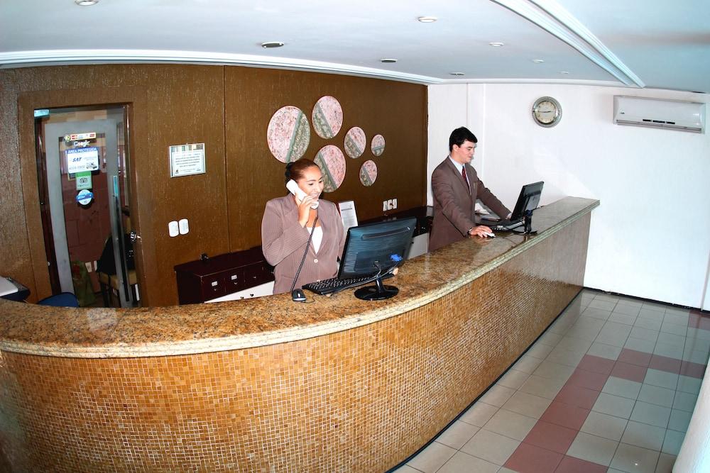 아무아라마 호텔(Amuarama Hotel) Hotel Image 1 - Lobby