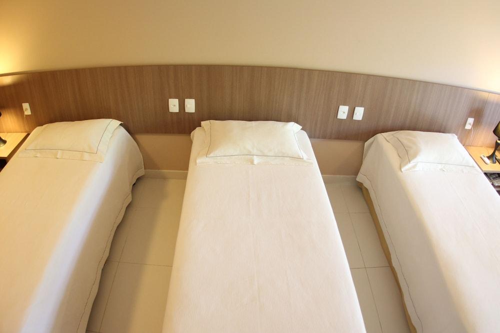 아무아라마 호텔(Amuarama Hotel) Hotel Image 10 - Guestroom
