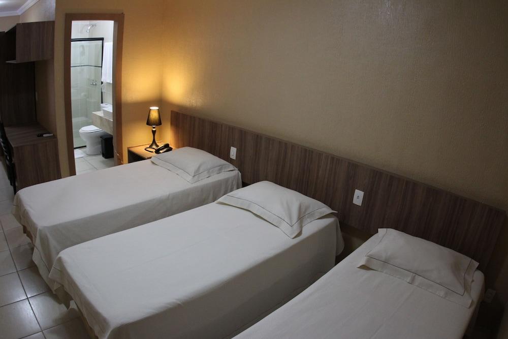 아무아라마 호텔(Amuarama Hotel) Hotel Image 33 - Guestroom