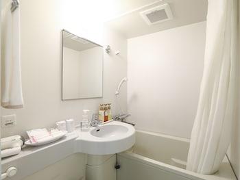 HOTEL WING INTERNATIONAL HIMEJI Bathroom