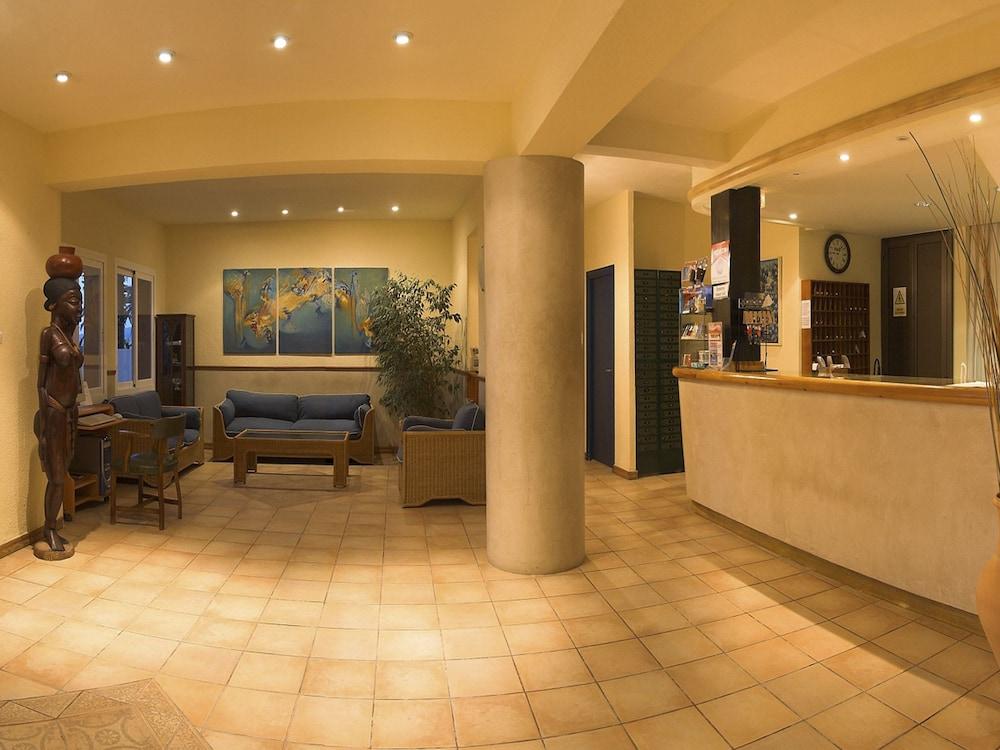 호텔 피구에레타스(Hotel Figueretes) Hotel Image 6 - Reception