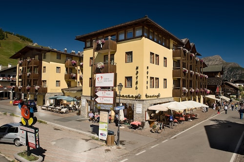 __{offers.Best_flights}__ Hotel Touring Livigno