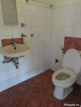 Hof Gorei Beach Resort Samal Bathroom