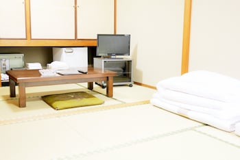 HIROSHIMA PEACE HOTEL - HOSTEL Living Area