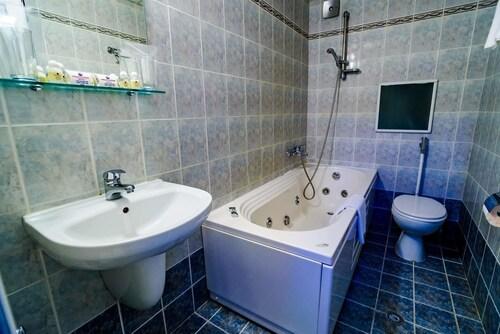 Rostov Hotel, Pleven