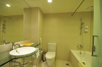 Hotel New Continental - Bathroom  - #0