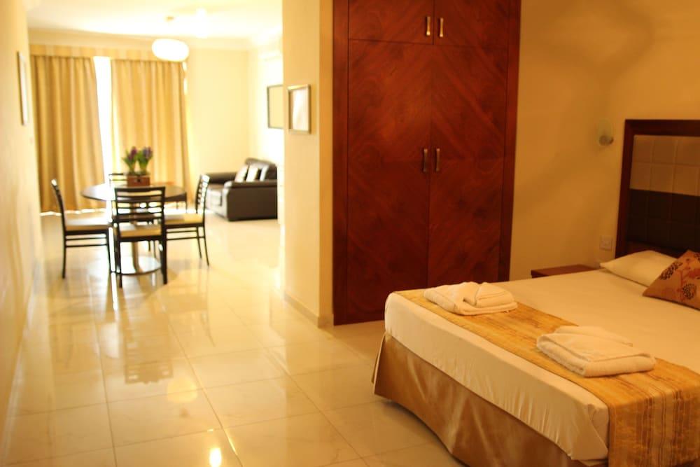 https://i.travelapi.com/hotels/4000000/3990000/3988500/3988460/b03ac26e_z.jpg