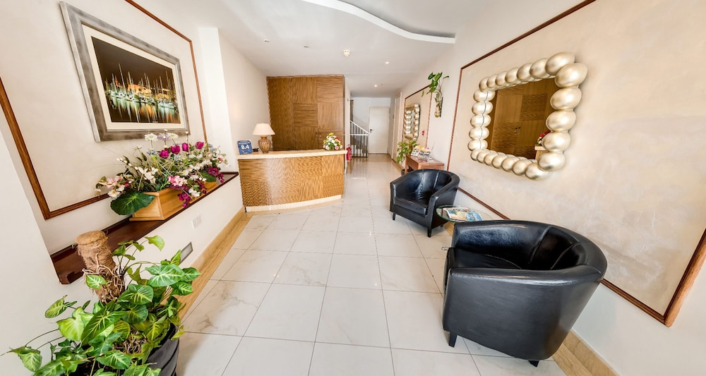 Onyx Suites & Apartments, Lobby