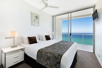 Guestroom at ULTIQA Air On Broadbeach in Broadbeach