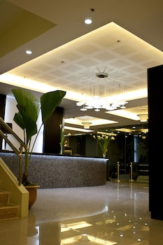 DIAMOND SUITES AND RESIDENCES Reception
