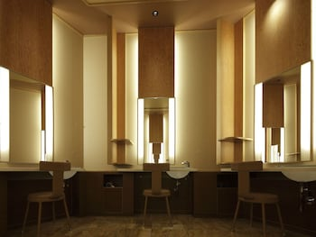 ARIMA GRAND HOTEL Spa Reception