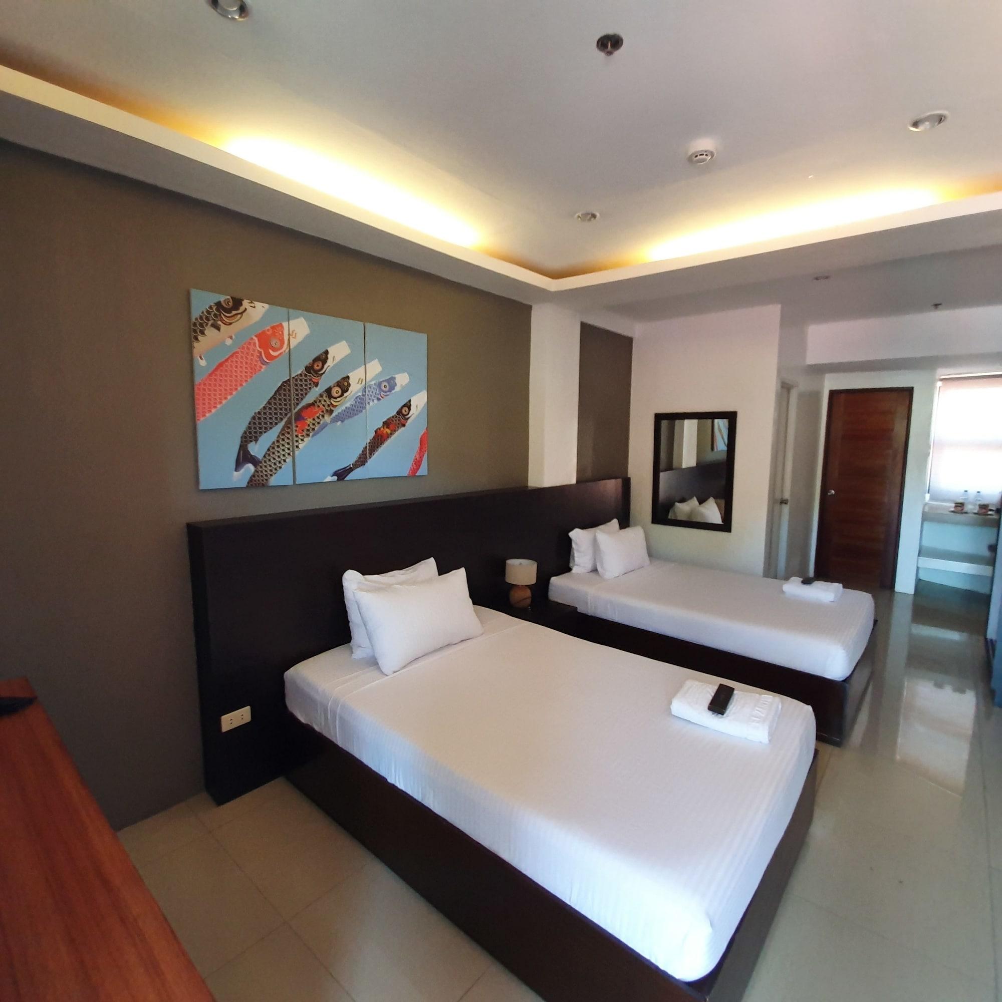 Hotel Zenturia, Boac