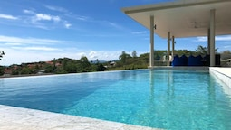 Villa With 4 Bedrooms in Tambon Bo Put, With Wonderful sea View, Priva