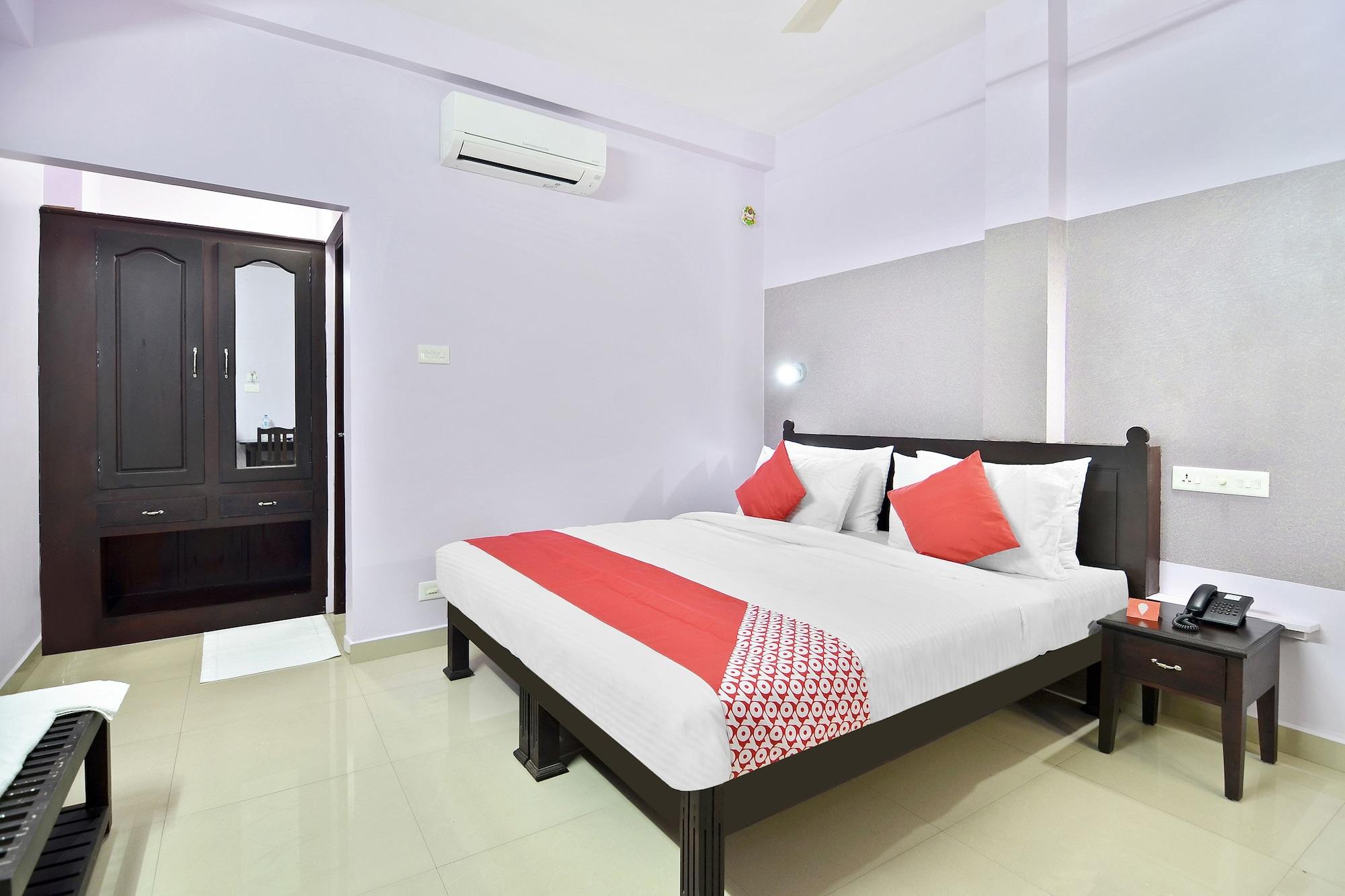 OYO 44093 Shanthi Residency, Pathanamthitta