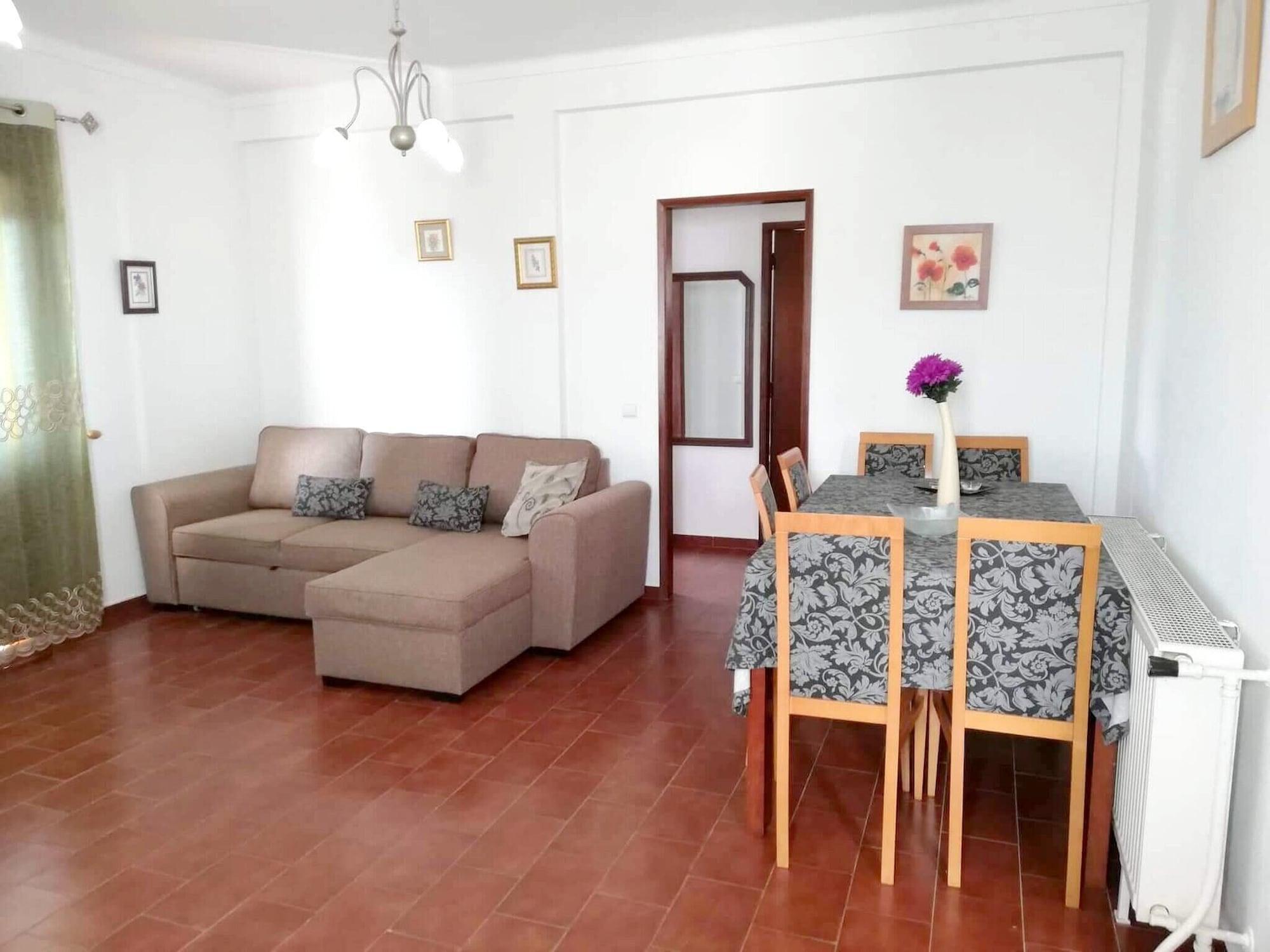 House With 3 Bedrooms in Vila Nova de Cacela, With Pool Access, Enclosed Garden and Wifi - 1 km From the Beach, Vila Real de Santo António
