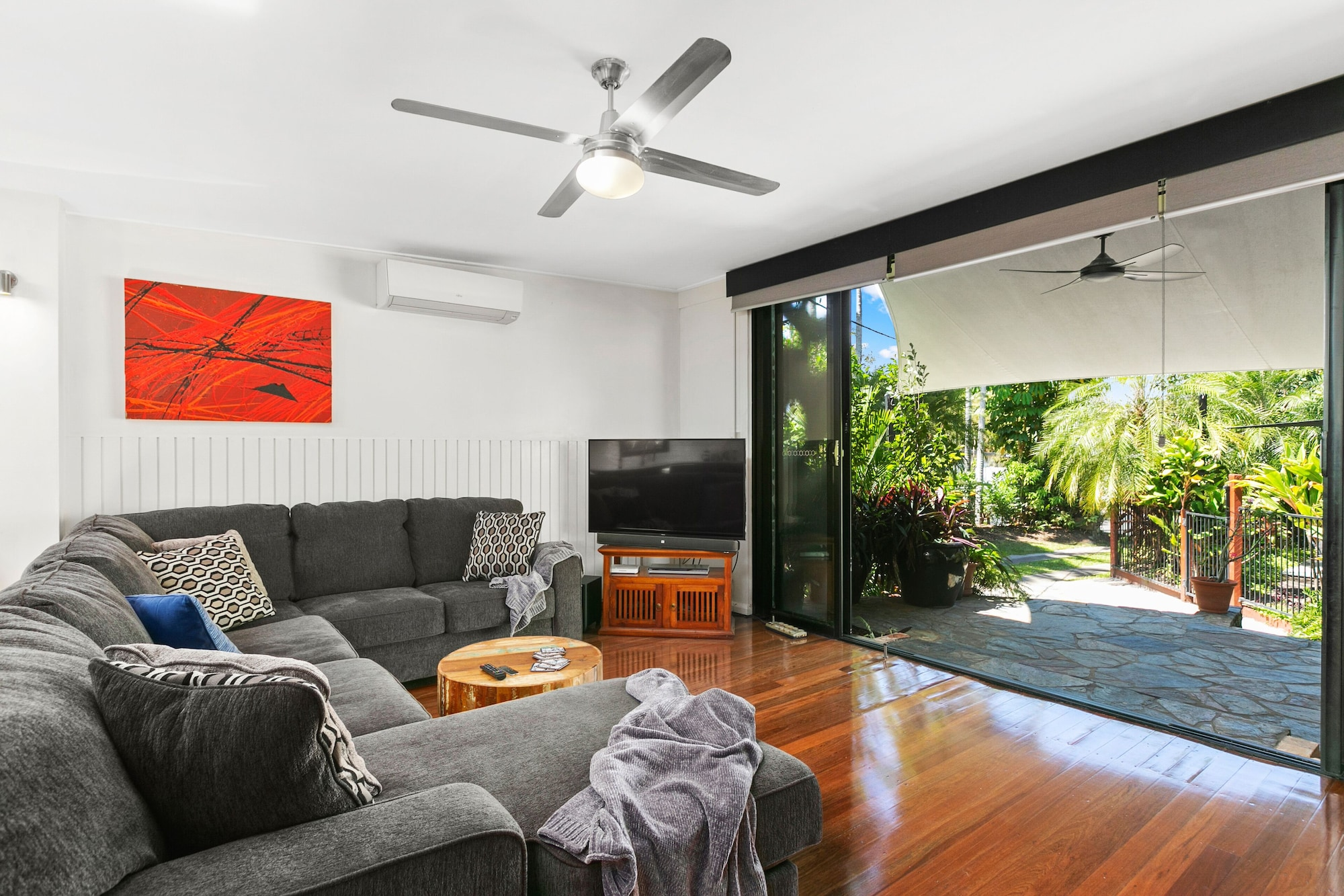 Tropical 3 Bedroom House, Pool plus 4th Bedroom Bungalow, Cairns - Mt Whitfield