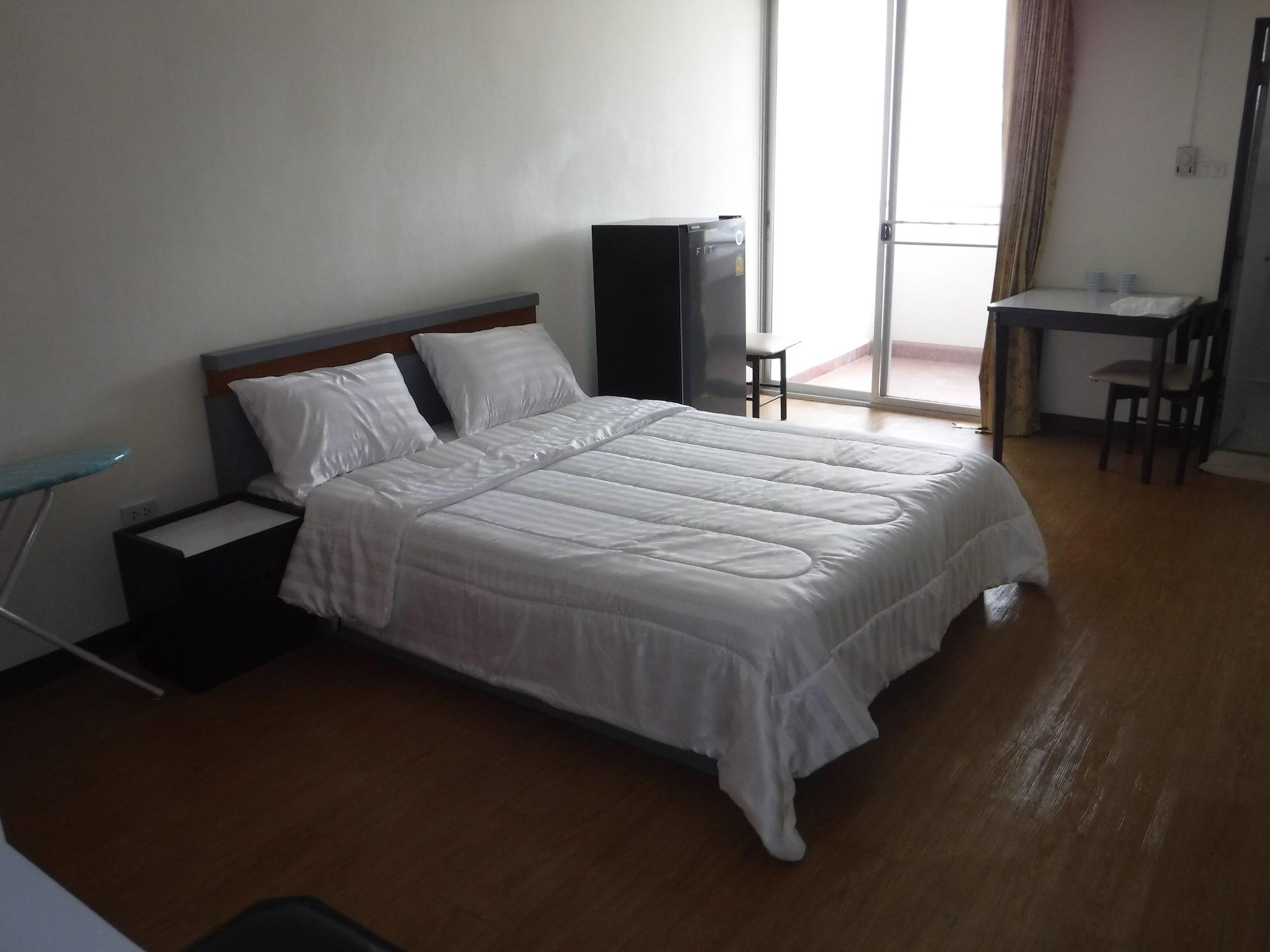 Gau's HomeStay, Ratchathewi