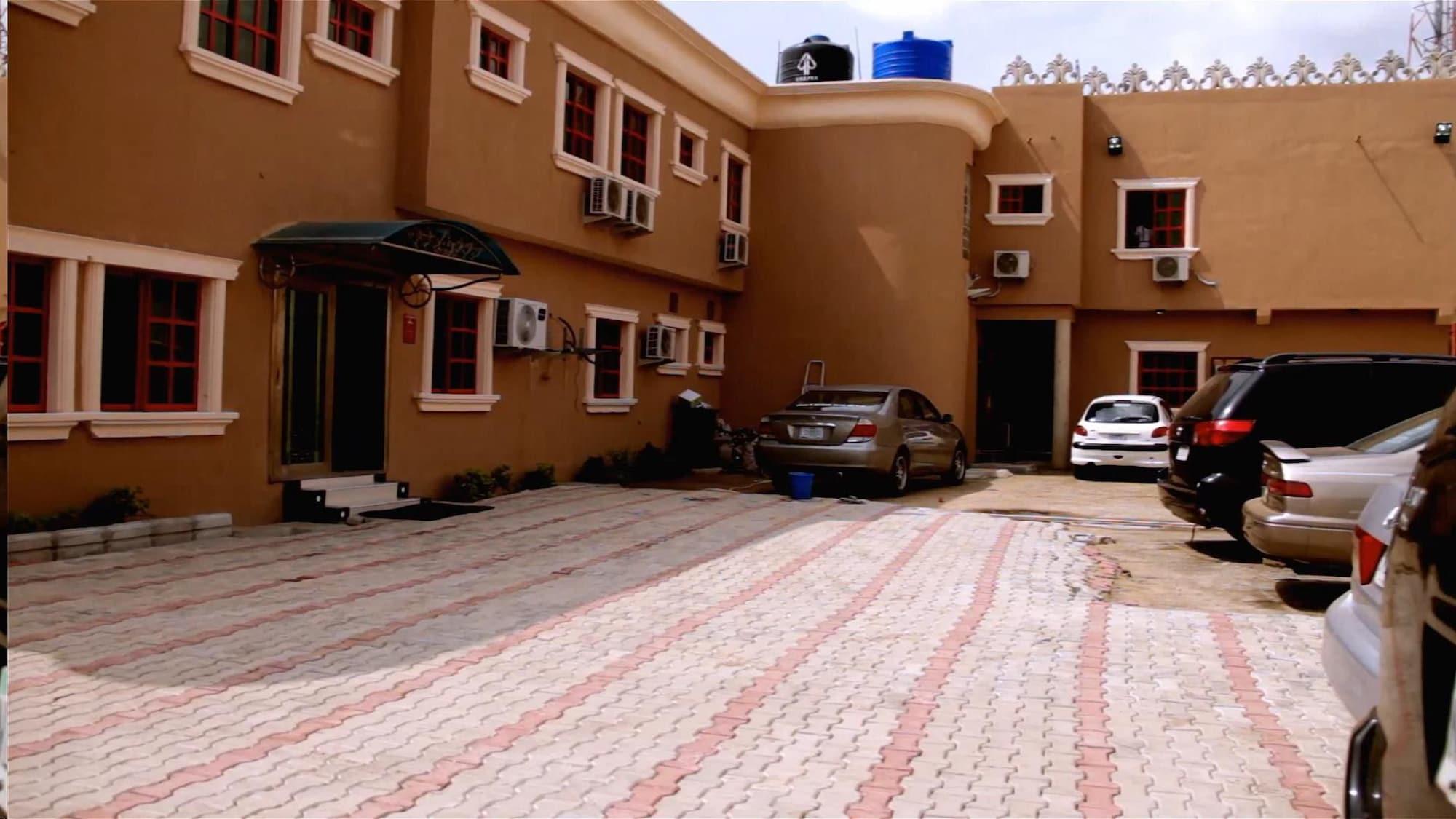 Hi Point Hotel & Suites, Oshodi/Isolo