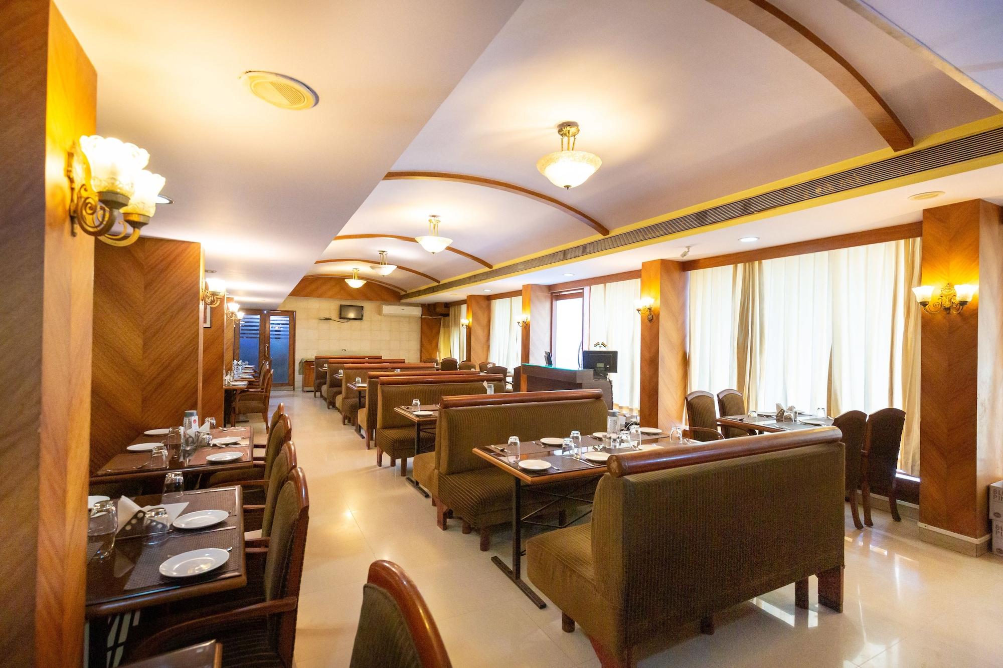 Hotel Express Inn, Palghar