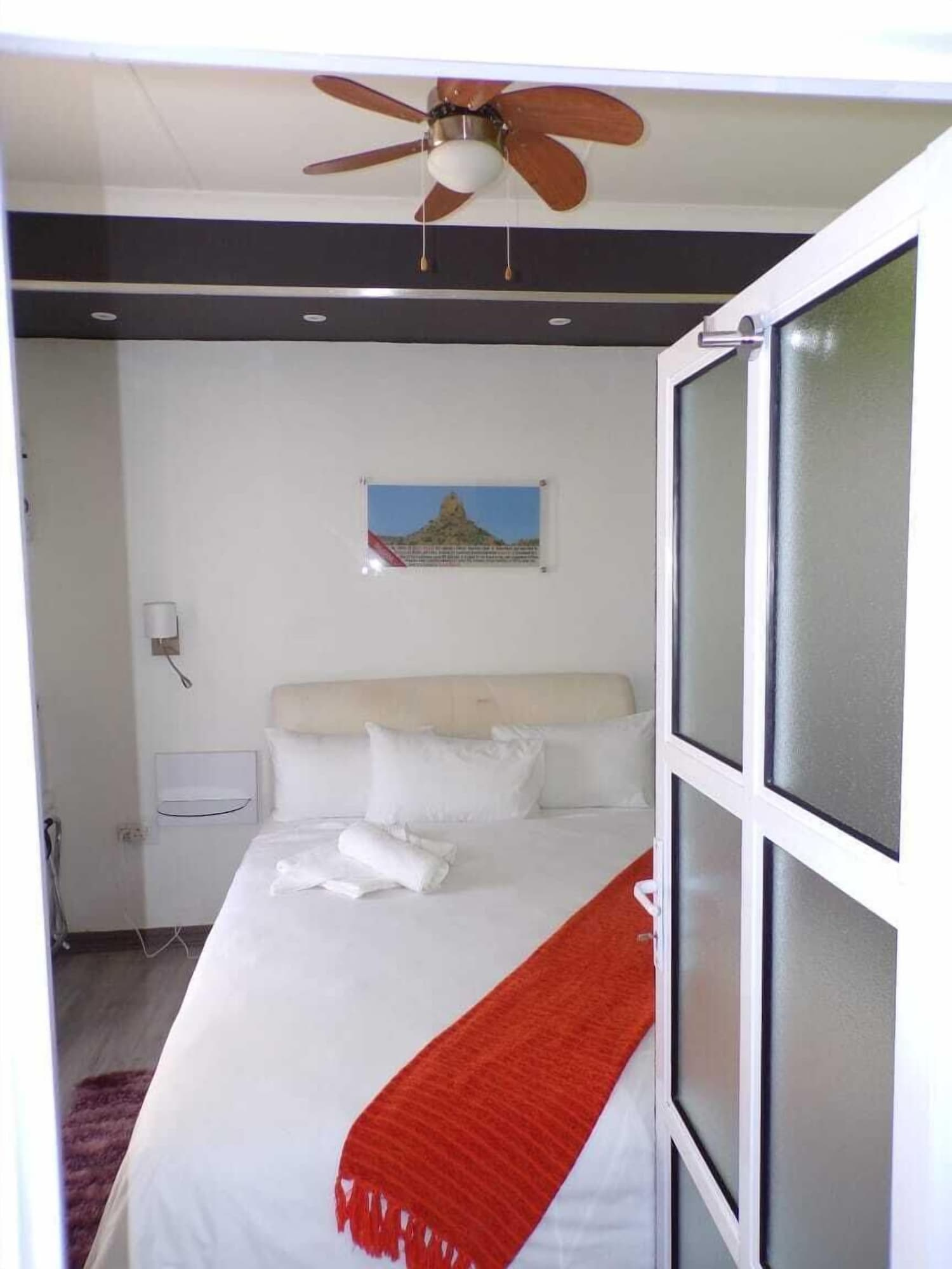 Joy Guesthouse-Seapoint - Adults Only,