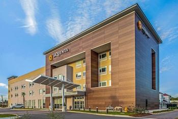 米拉瑪爾德斯汀海灘溫德姆拉昆塔套房飯店 La Quinta Inn & Suites by Wyndham Miramar Beach-Destin