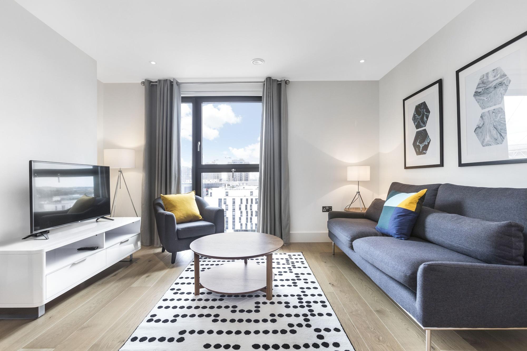 Lush Apartment - London Designer Outlet, London