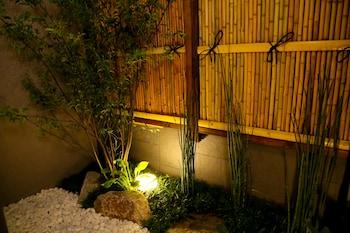 HOSTA TOJI SAKURA Garden
