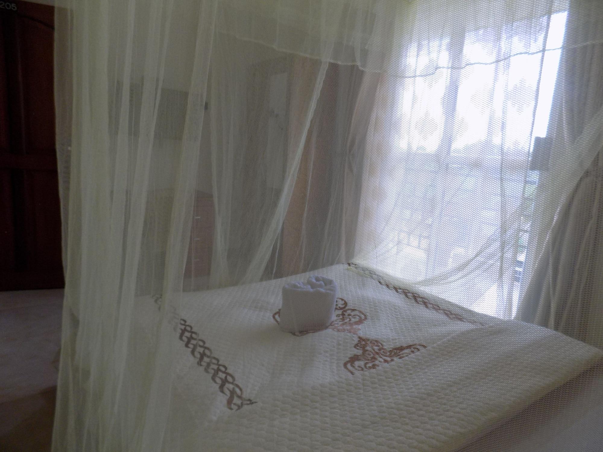 Peak Resort Hotel, Igara