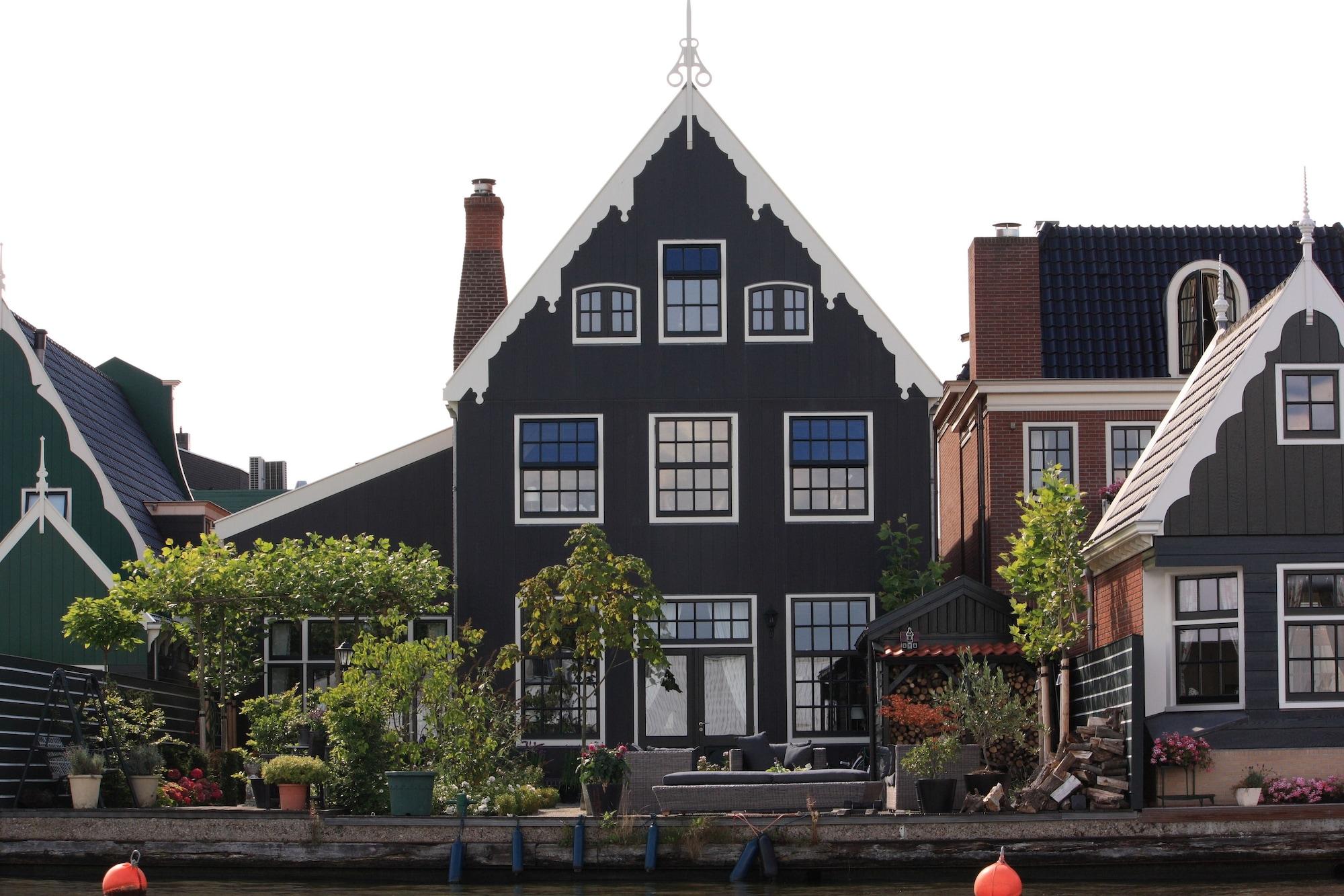 B&B Boterton, Zaanstad
