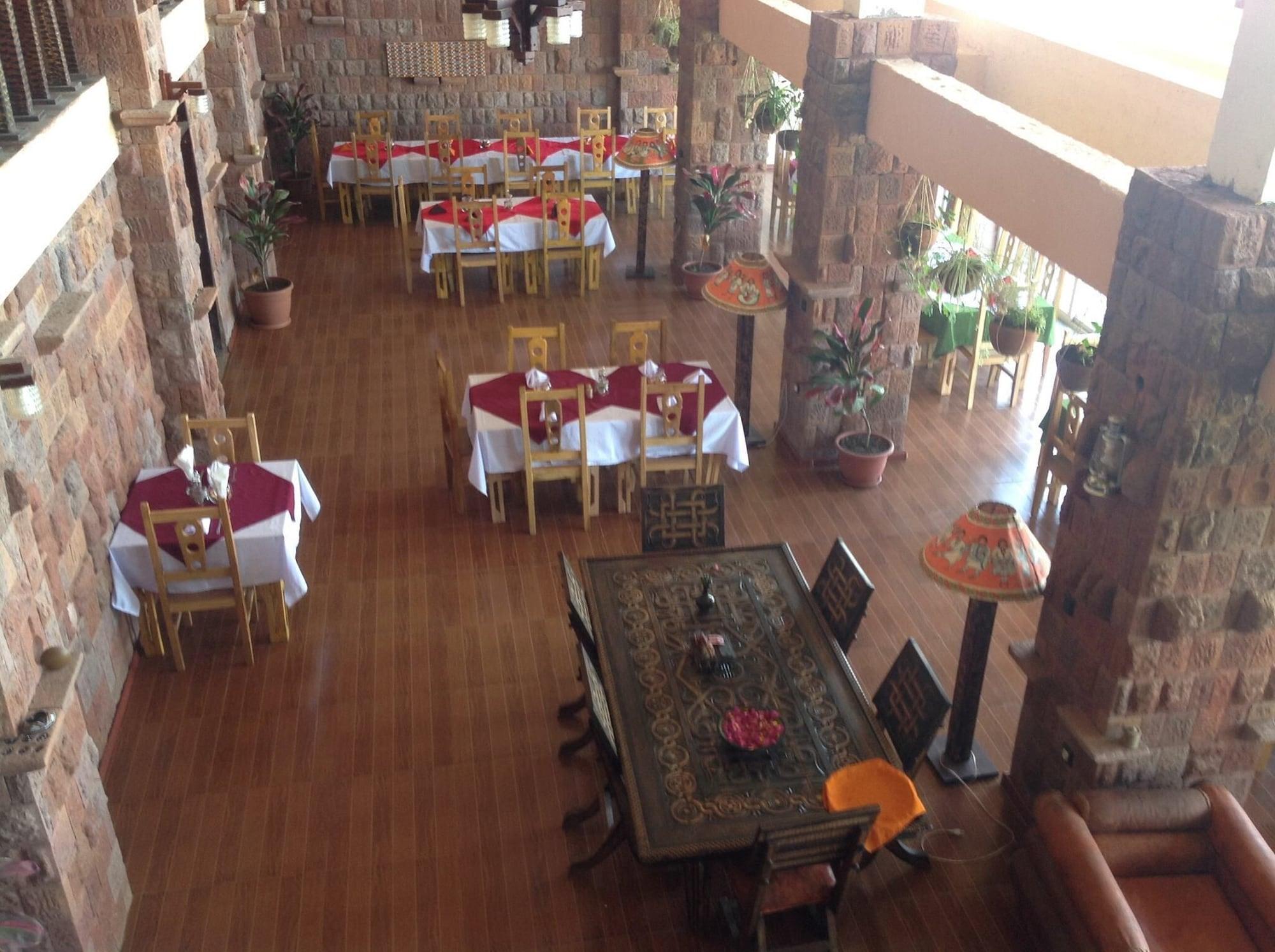 Maribela Hotel, Semen Wello