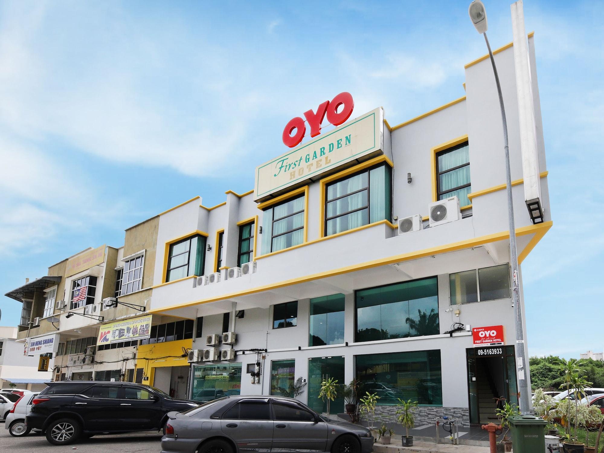 OYO 44043 First Garden Hotel, Kuantan