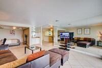 Standard Condo, 1 Bedroom, Mountain View