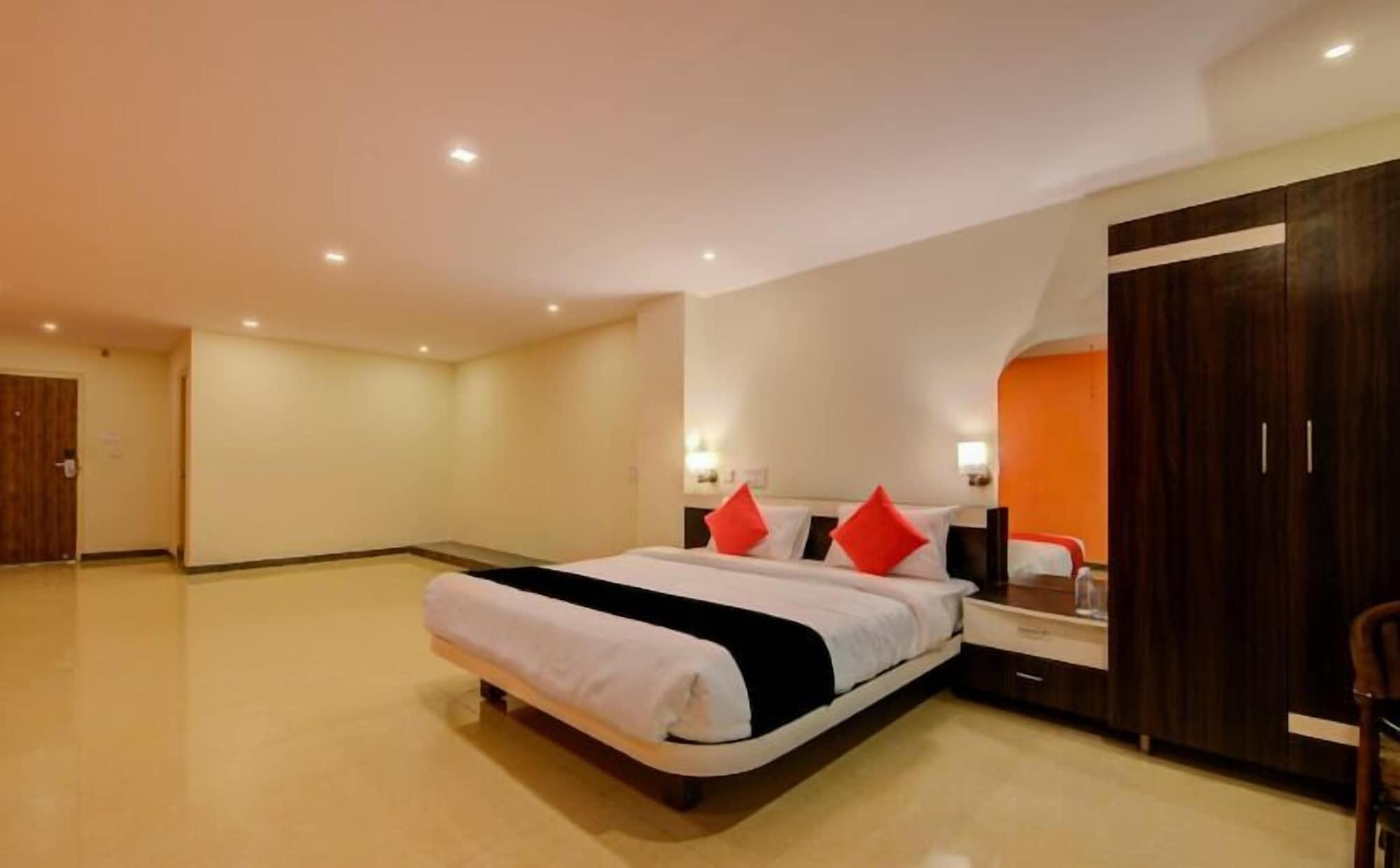 Hotel Beehive Grand, Tumkur