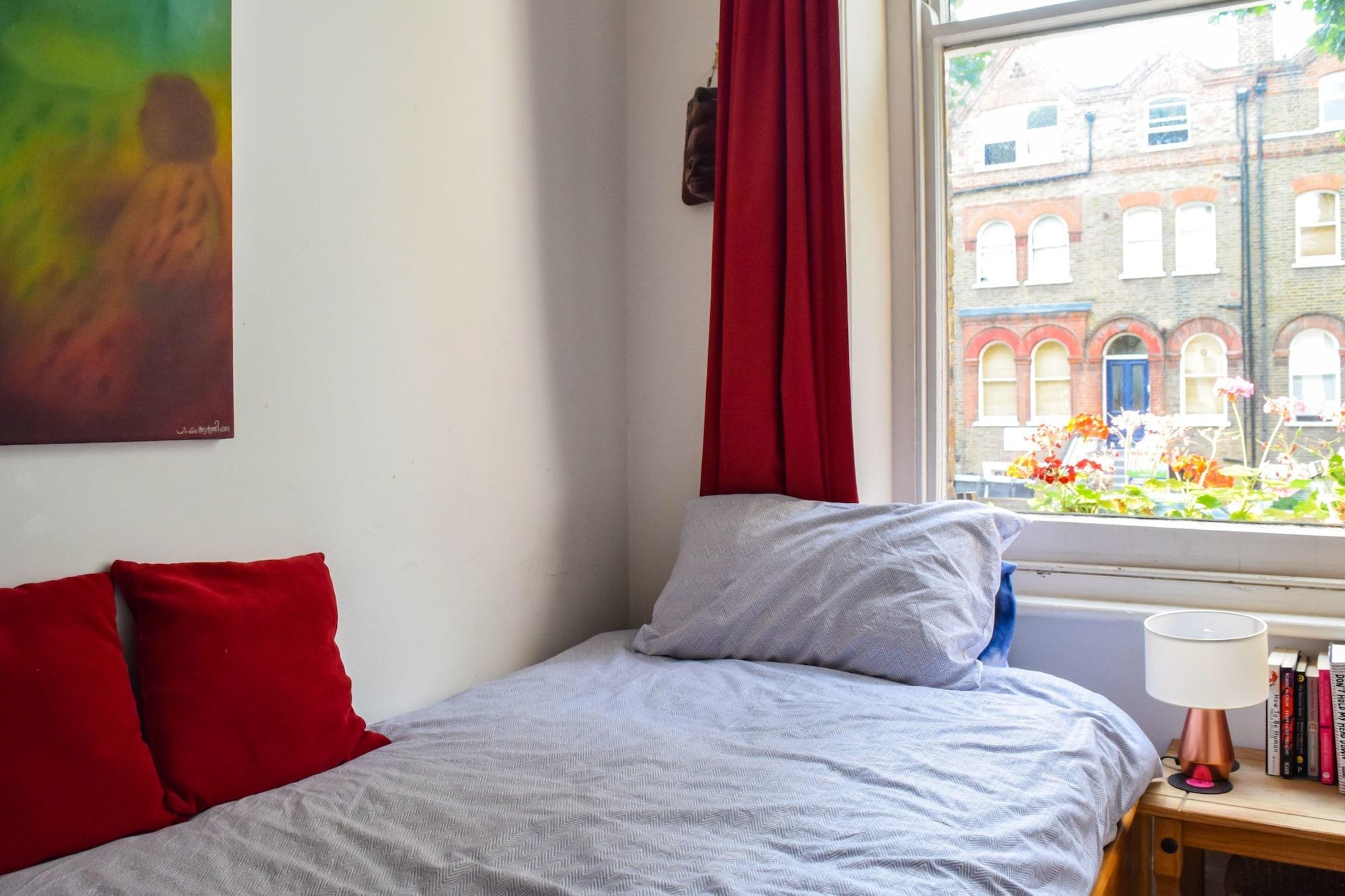 Musical 2 Bedroom Flat by Abbey Road Studios, London