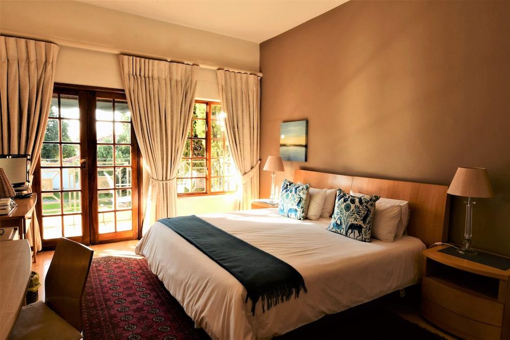 https://i.travelapi.com/hotels/41000000/40080000/40070900/40070827/ff5b6f34_z.jpg