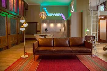 學校 31 號閣樓繽紛開放式公寓飯店 School 31 Lofts at Colors Studios