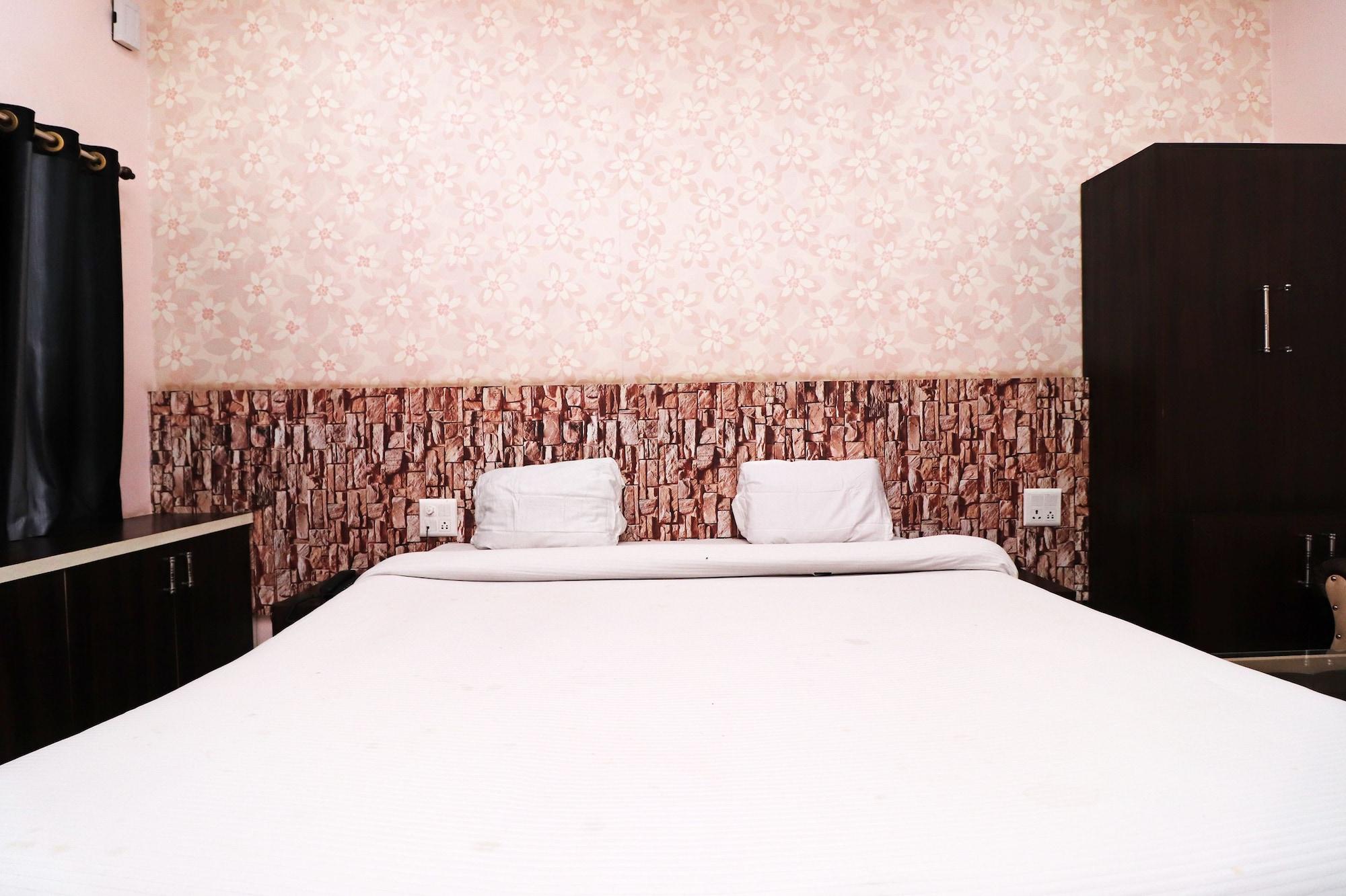 SPOT ON 43444 Hotel Alok Residency, Satna