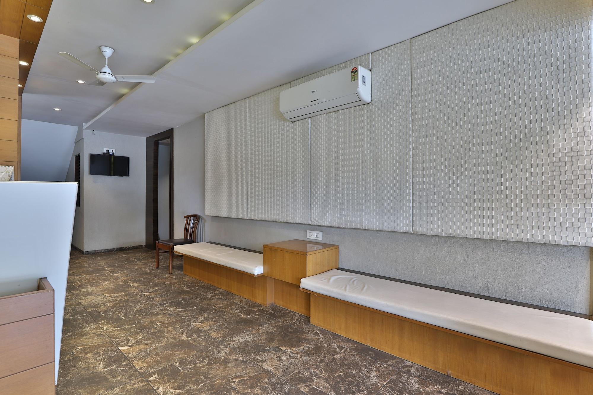 Capital O 45846 Hare Krishna Hotel, Navsari