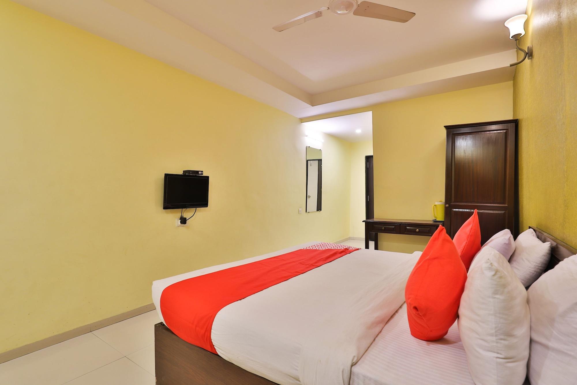 OYO 2494 Hotel Shree Plaza, Bharuch