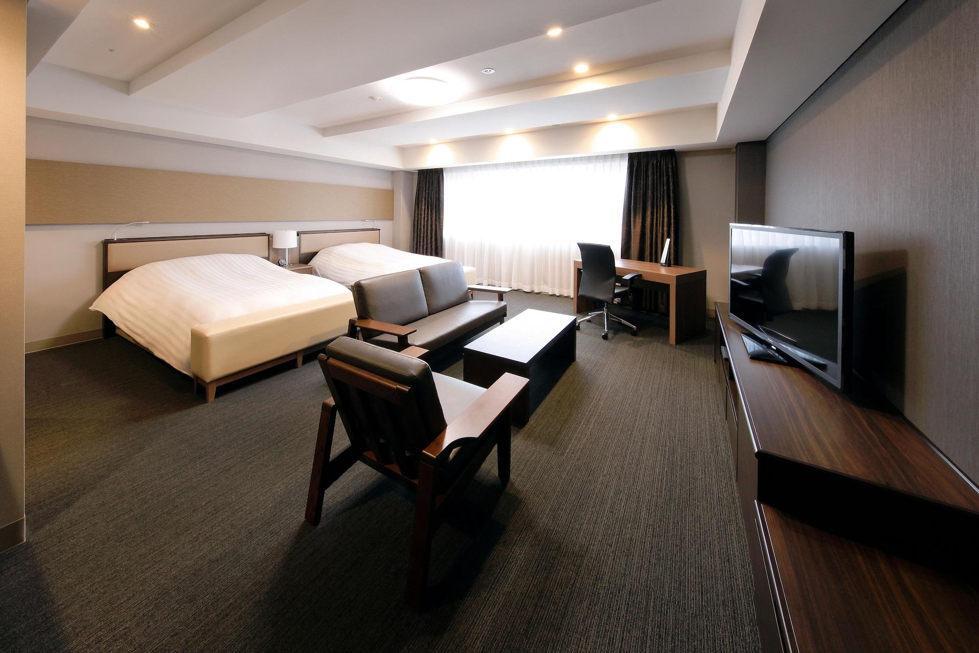 Silk Hotel, Iida
