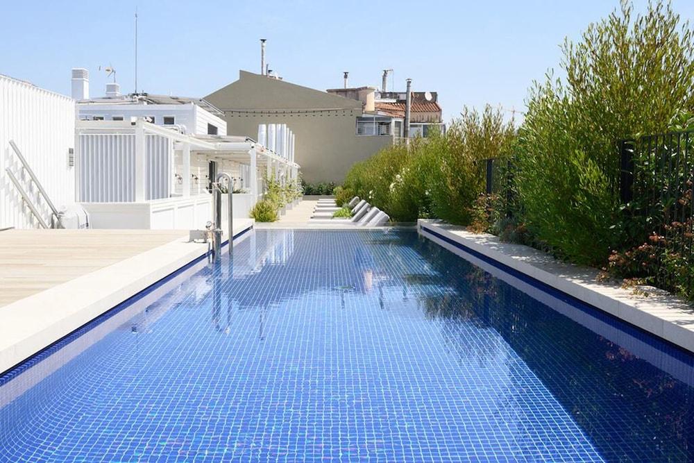 Seventy Barcelona, Featured Image