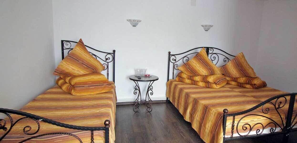 Aris Meridian Hostel, Piatra-neamt