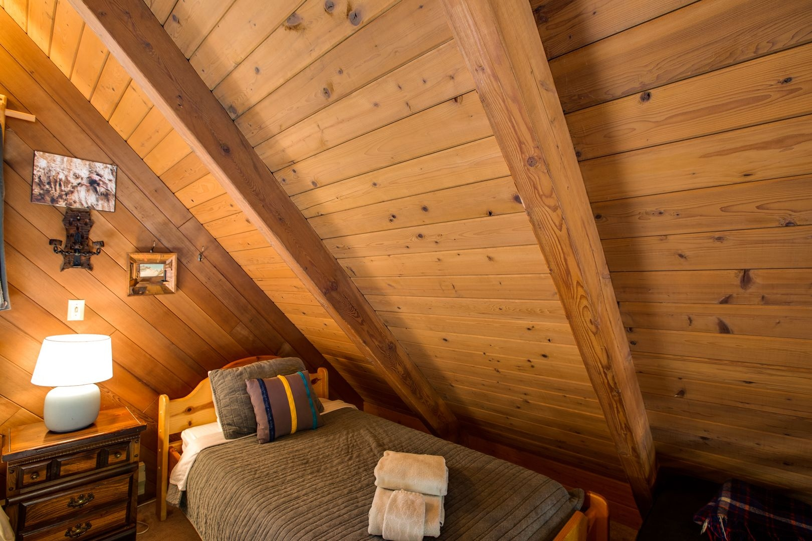 Mt. Baker Lodging Cabin 53 – Hot Tub, WiFi, Sleeps 6! by MBL, Whatcom