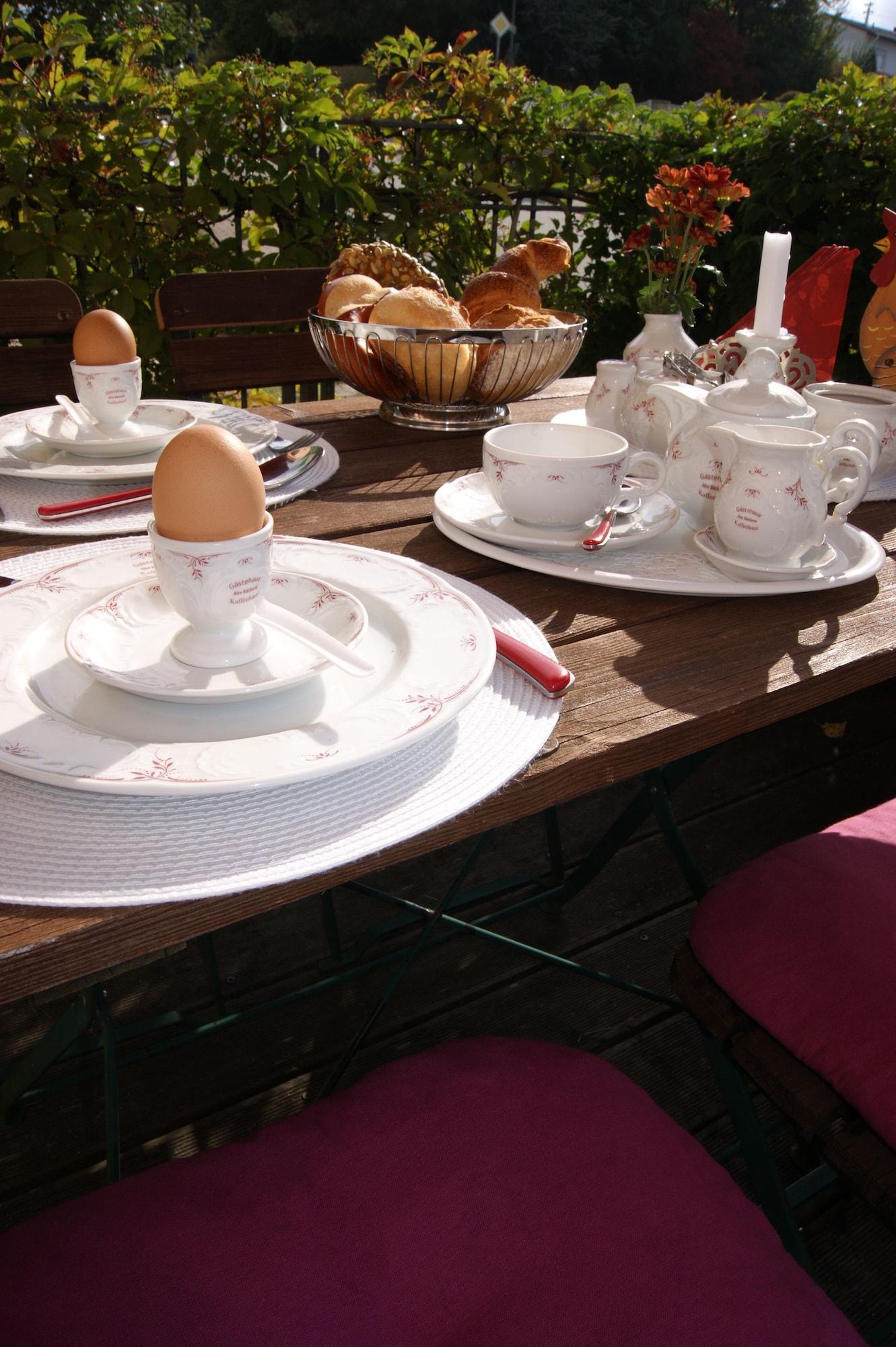 Gästehaus 'Alte Bäckerei' Kaffeehaus, Südwestpfalz