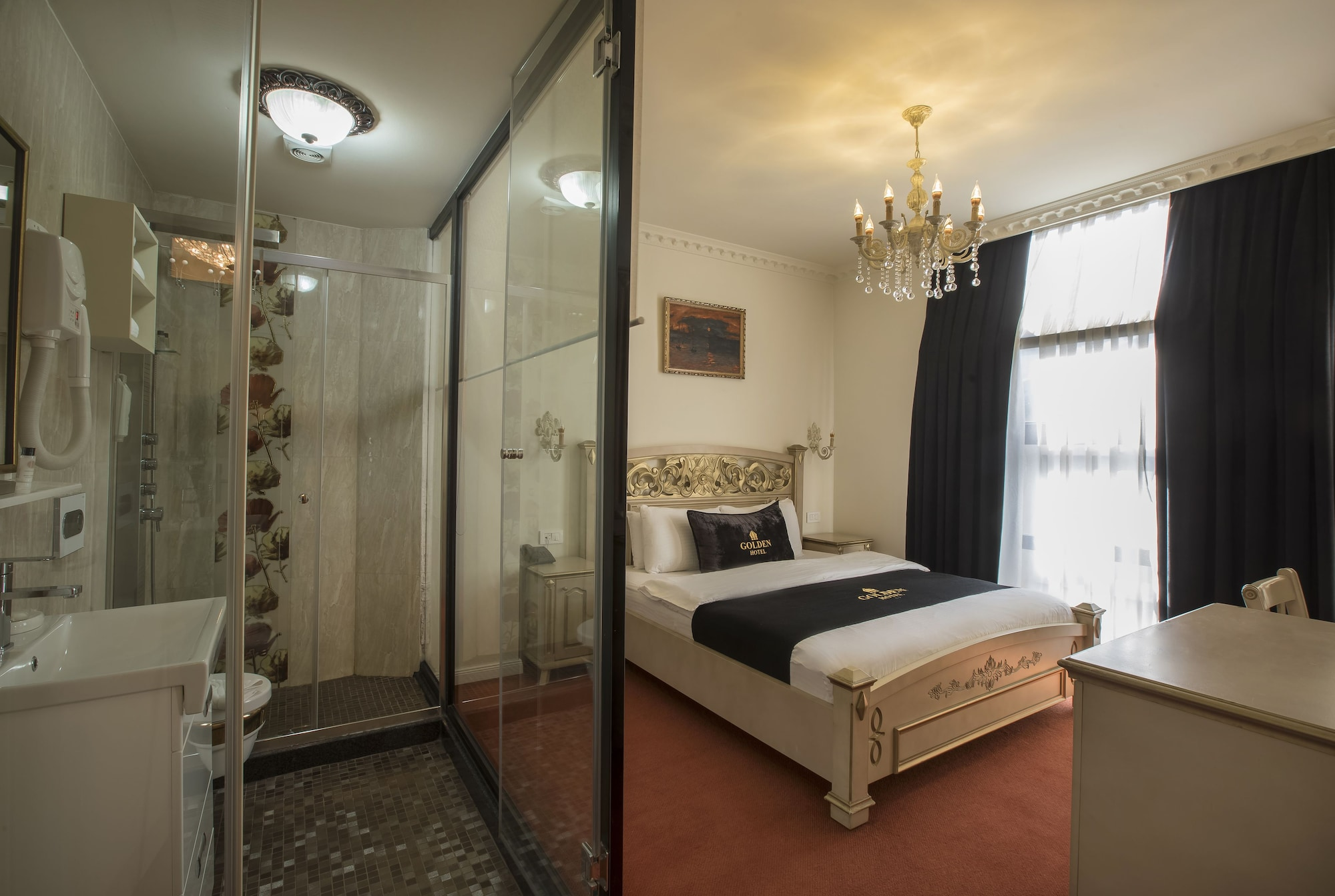 Golden Hotel, Priština