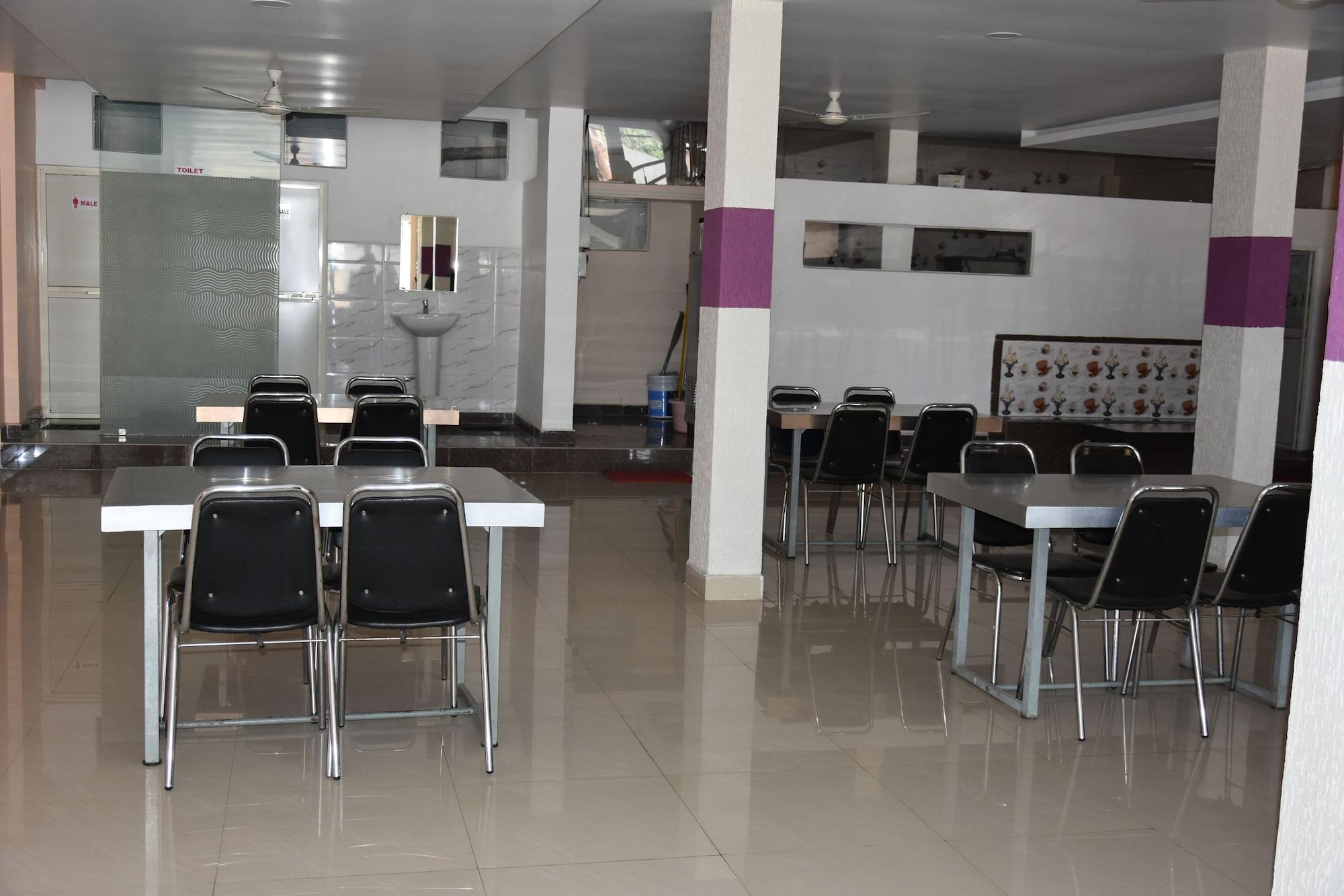 Grand Hotel Vinayak, Raisen